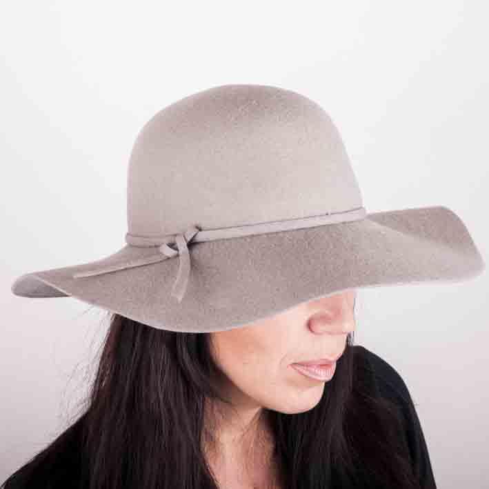 Šedý luxusní dámský klobouk Mes 87016