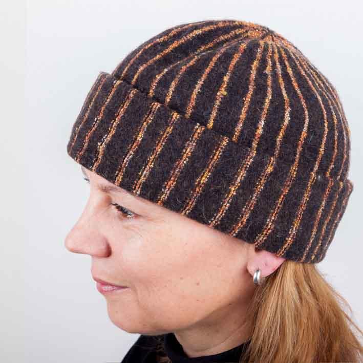 Hnědá dámská elegantní čepice Tonak 87310 velikost Uni