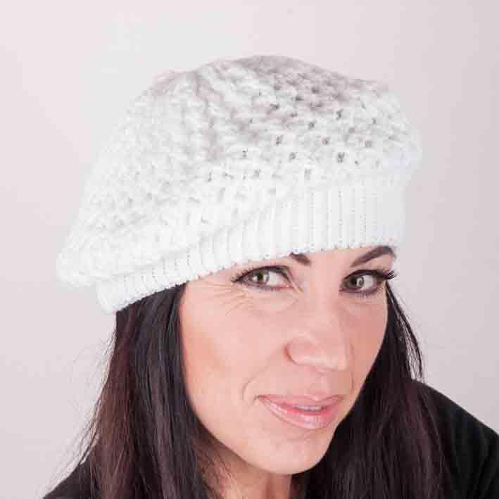 Bílá úpletová čepice zimní Assante 88112