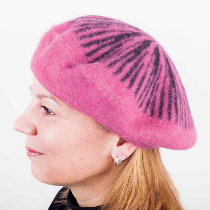 Fialový dámský baret z čisté vlny Tonak 87209