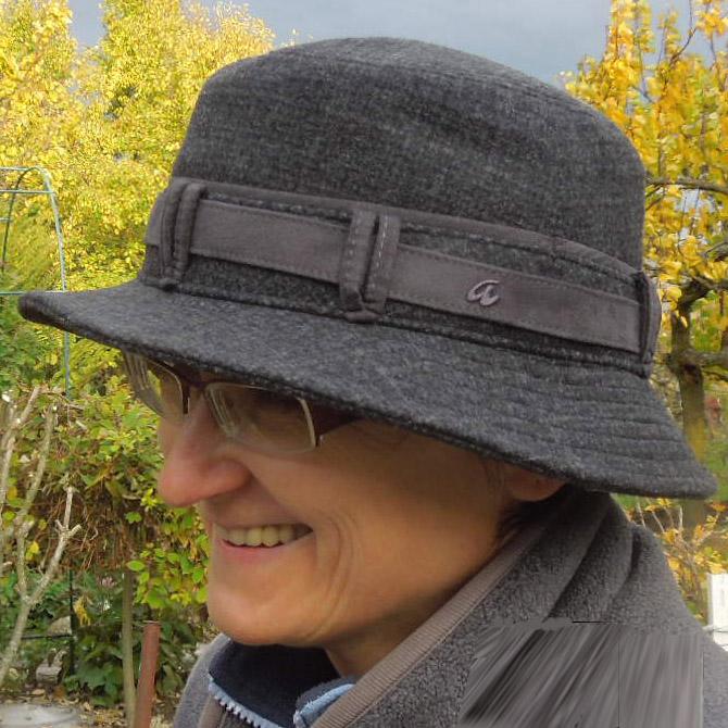 Šedý elegantní dámský klobouk sportovní Assante 87026
