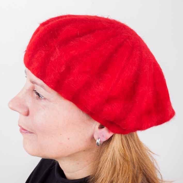 Červený dámský elegantní baret Tonak 87219