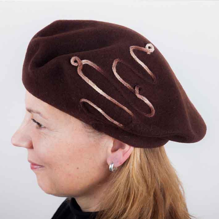 Hnědý dámský elegantní baret Tonak 87223