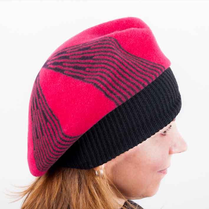 Červený dámský elegantní baret Tonak 87231