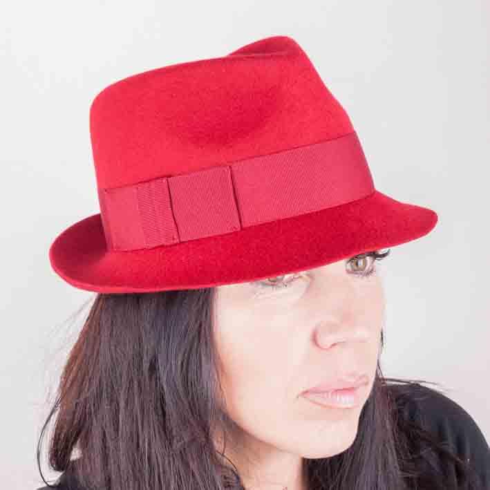 Červený dámský klobouk Assante 86966