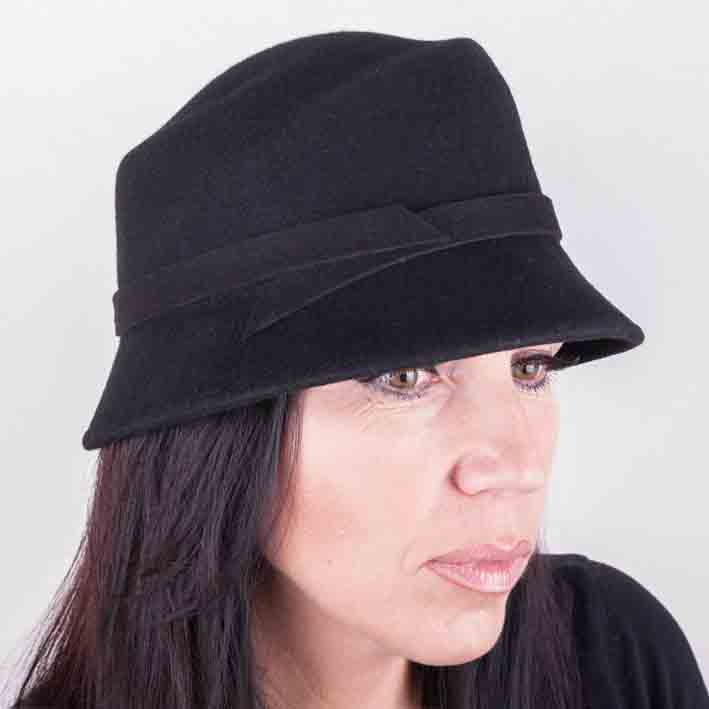 Černý dámský klobouk Assante 86988